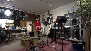 2019年12月8日に伊勢崎市宮子町のheartland cafeでのLIVEの映像です。 クリスマスシーズンということで衣装はサンタさん。 アニソンカバーユニットEs...