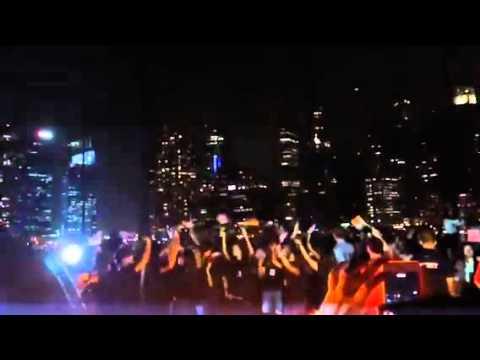 Earth Hour - The Float@Marina Bay 1