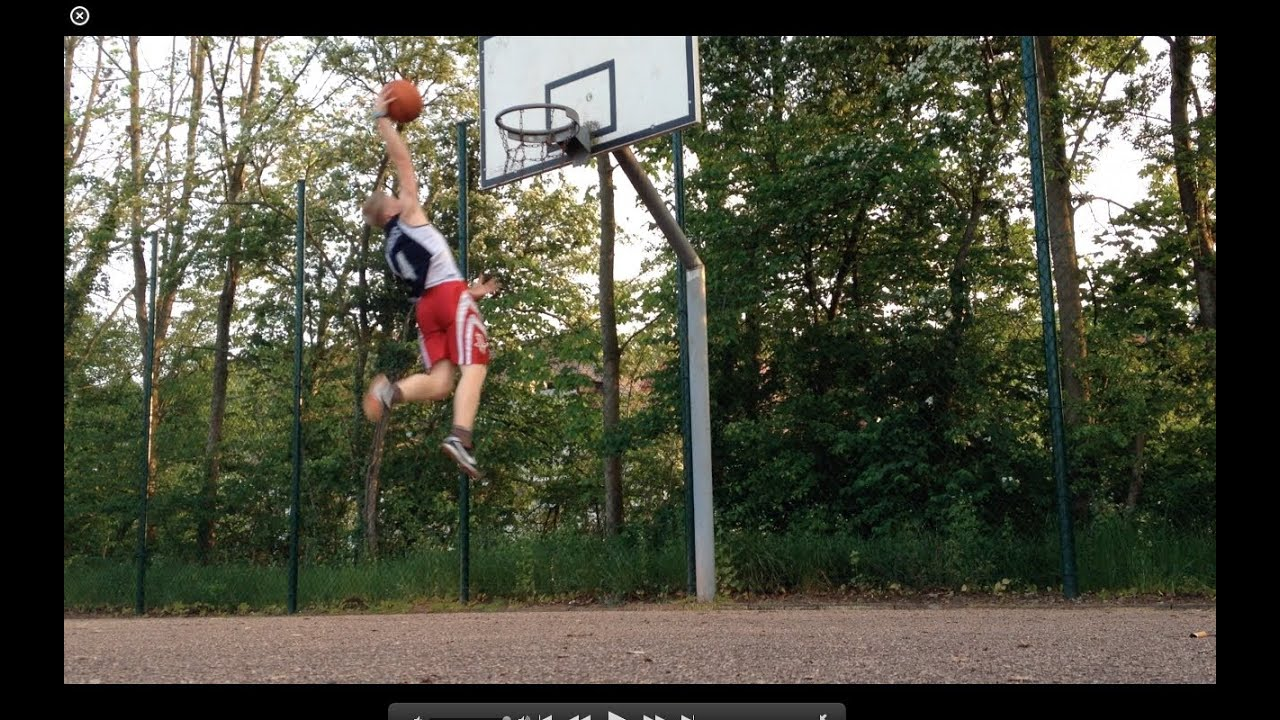 5\'7\'\' White Kid Dunks After 6 Months Of Training - YouTube
