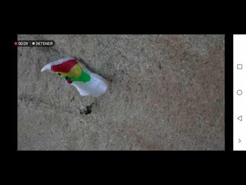 Impactante accidente de un paracaidista contra un muro