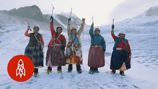 The Cholita Climbers of Bolivia Scale Mountains in Skirts thumbnail