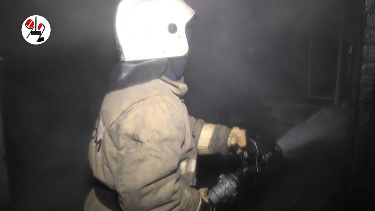 Противогаз пригодился на пожаре.