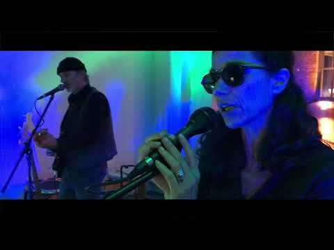 Deleyaman soundcheck Change Things at Temple Bar Gallery, Dublin Oct. 10th, 2018