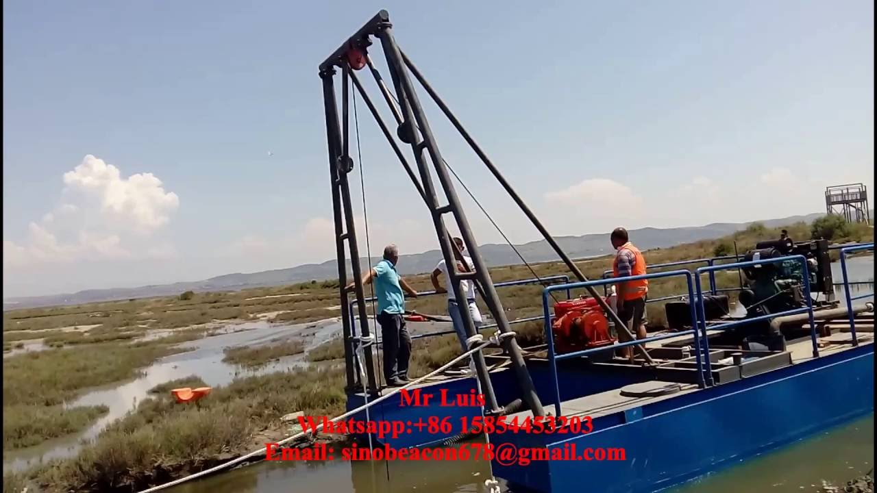 small sand dredging machine/sand suction dredger/6inches floating dredger  pontoon boat