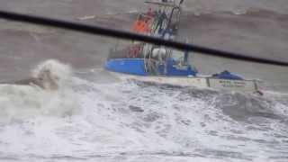 Mau tempo no  Mar da Madeira   dia 10 dez 2013
