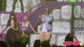 Nicki Minaj and Sean Kingston Perform