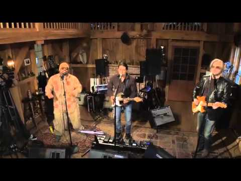 Daryl Hall f/ Cee Lo - I Can't Go For That (Live from Daryl's house)