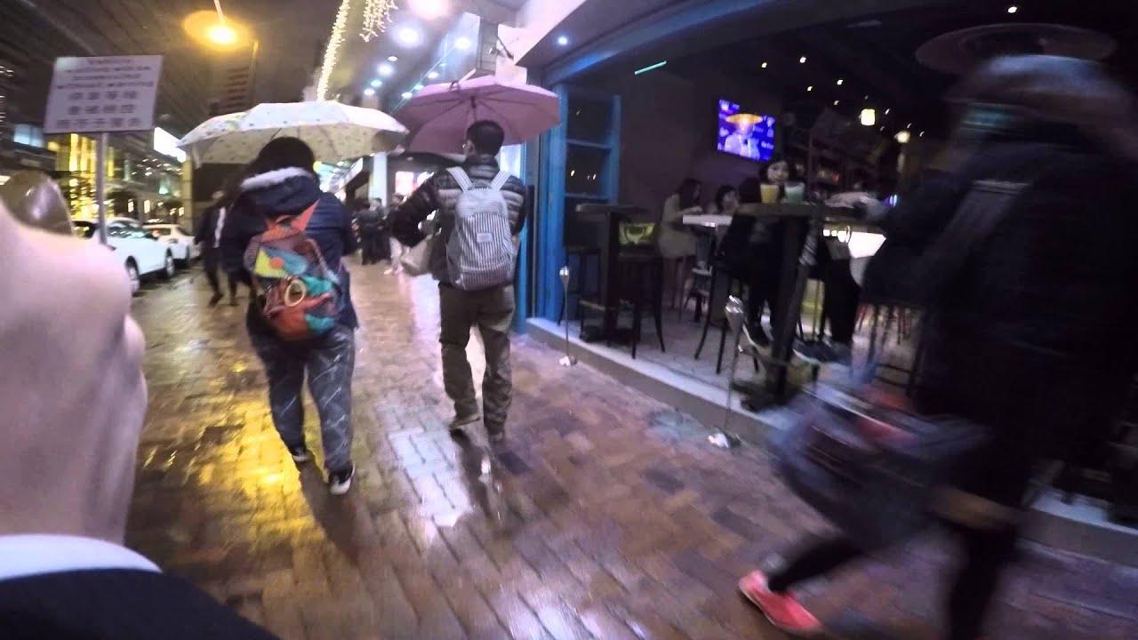 香港SEX チムサーチョイ駅からK11橫のサウナ(風俗)まで - YouTube