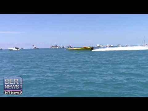 Around The Island Powerboat Race Start, August 14 2016