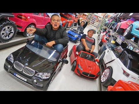 Thumbnail: Ride on Cars Power Wheels Toy Haul Race!