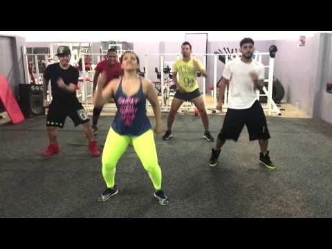 "Dance Cardio: ""MASS ATTACK"" by Ricky T. Zumba® Fitness. Rehearsing for #ZumbaCaliente2017"