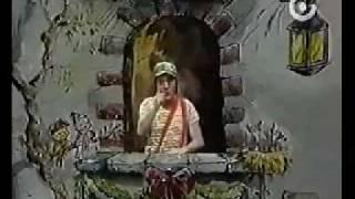 El Chavo canta: