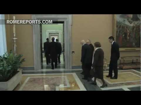 Benedict XVI bids farewell to Italian President Giorgio Napolitano