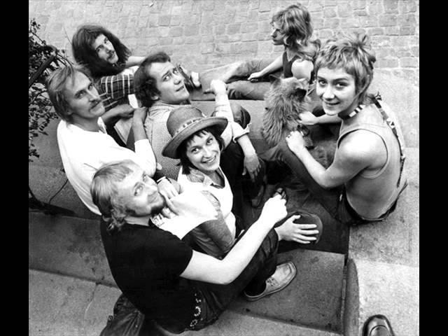 nationalteatern-livet-ar-en-fest-originalversion-svt-1973-stalingbg