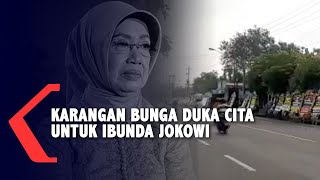 Gambar cover Karangan Bunga Berjajar di Sepanjang Jalan Rumah Duka Ibunda Jokowi
