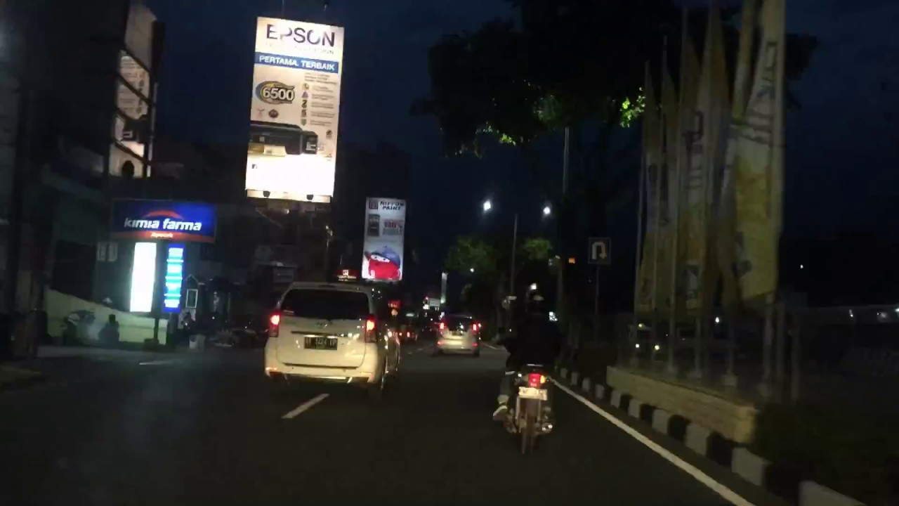 City Life At Night Balikpapan Kalimantan Timur Youtube