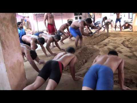 Indian Wrestling -