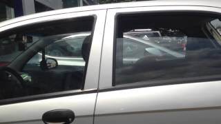 Niño Abandonado Dentro De Un Auto