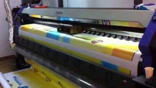 Как печатает Флора Flora lj3208p(Видео с участием широкоформатного плоттера Как печатает Флора Flora lj3208p. Плоттер является собственностью..., 2013-10-07T13:17:08.000Z)