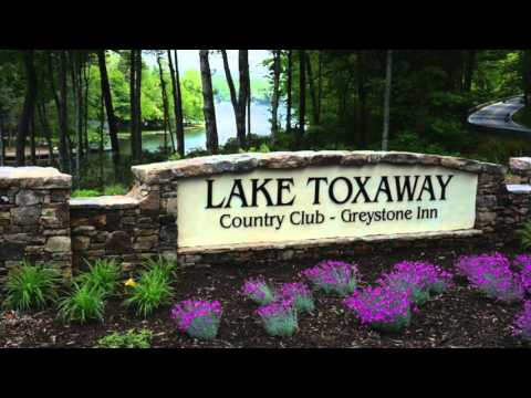 Lake Toxaway, NC 1.01 Acre dream property!