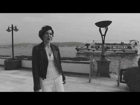 Esra Zeynep Yücel - Yalnızlık