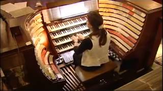Organist Carol Williams plays Flight of the Bumblebee on Pedals