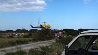 2013 06 09 Helicoptero cargando agua