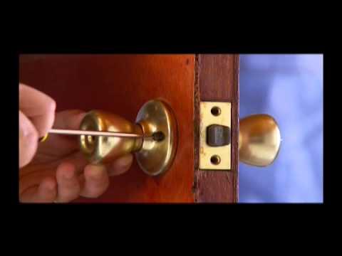 cómo sustituir cerradura de puerta