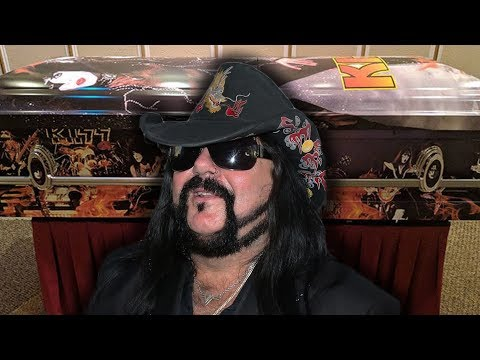 Vinnie Paul To Be Buried In KISS Casket Just Like His Brother Dimebag Darrell   Rock Feed
