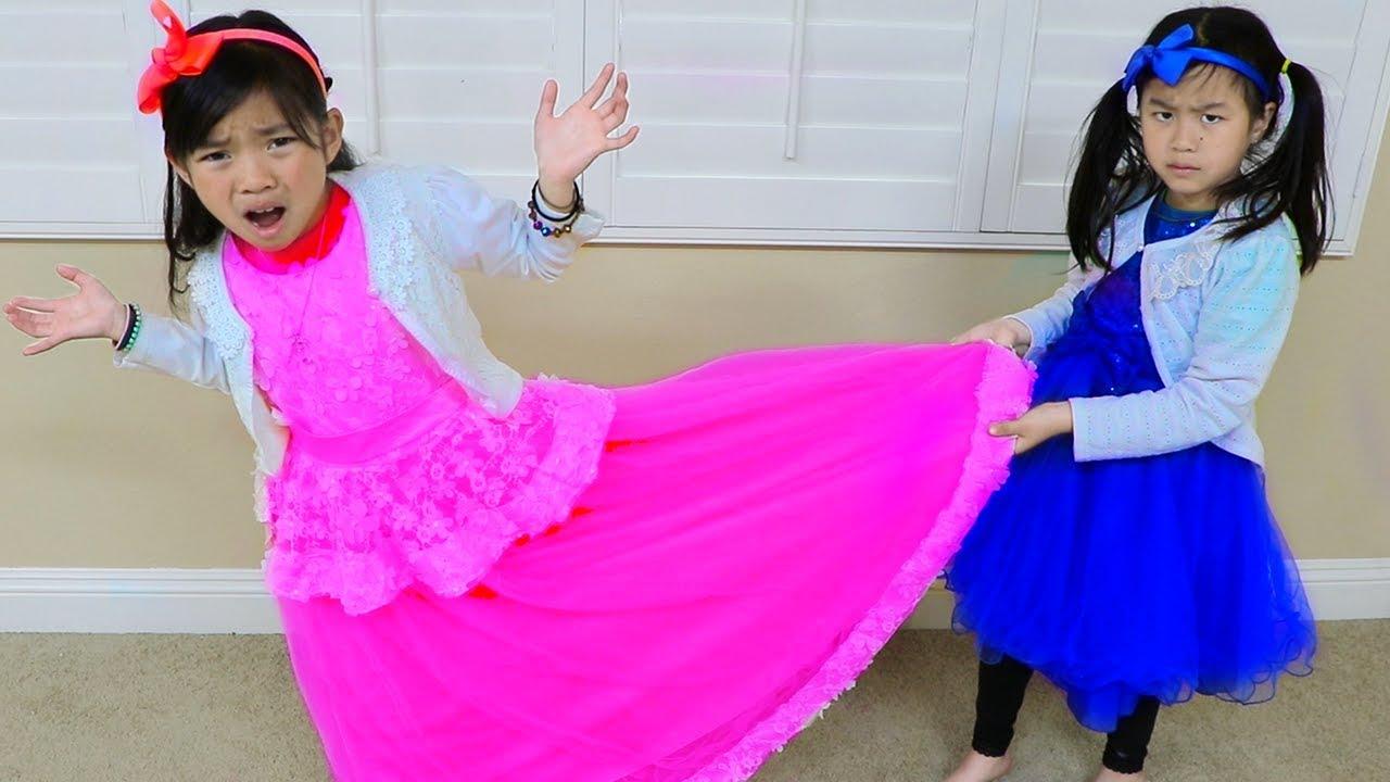 Download Emma & Jannie Pretend Play Making Princess Dress w Sewing Machine Toy