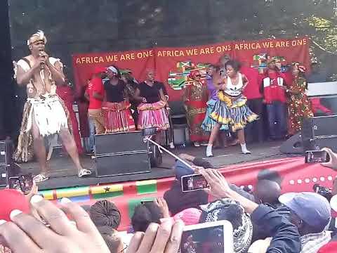 BENNY MAYENGANI,JULIUS MALEMA N FLOYD DANCING TO