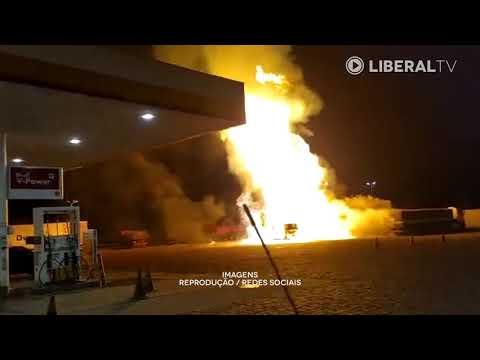 Vídeos mostram explosão de caminhão em posto na Washington Luís, em Rio Claro
