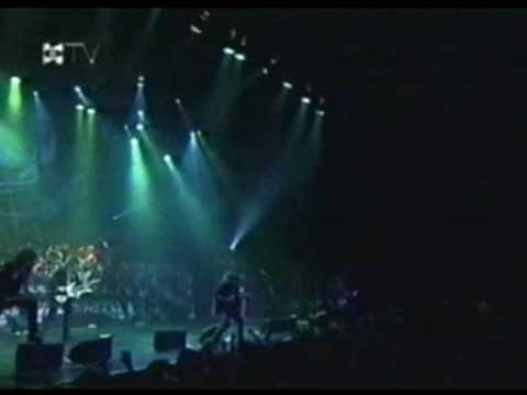 Helloween - Future World y Mirror Mirror (04)