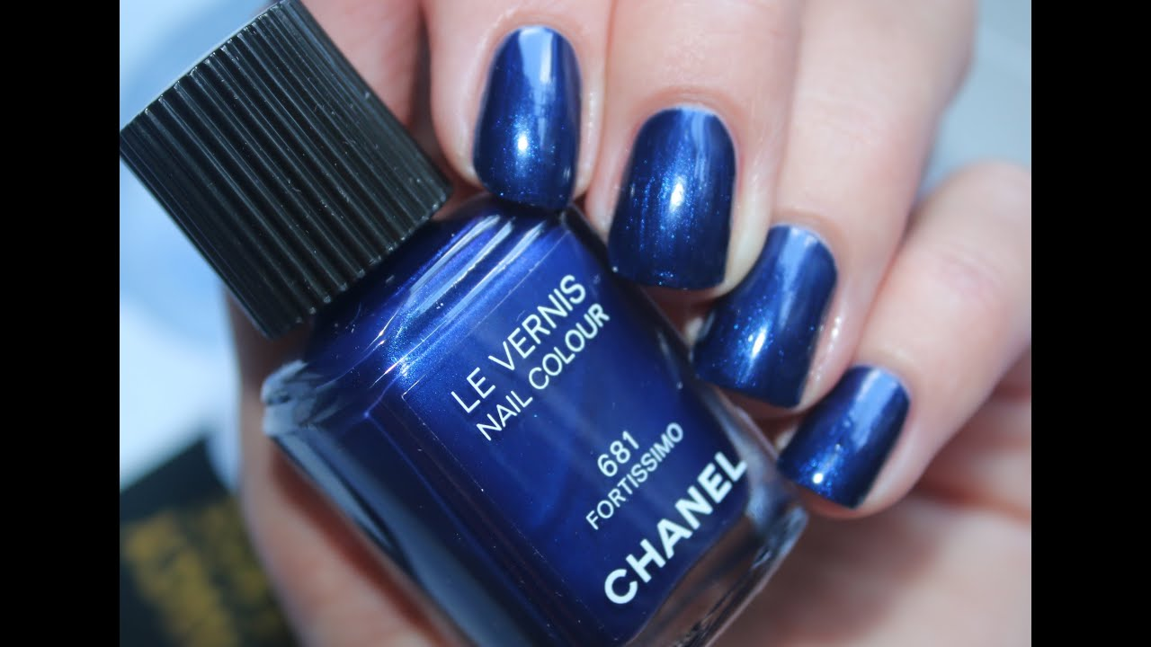CHANEL Le Vernis Nail Colour 681 FORTISSIMO - Application + swatch ...