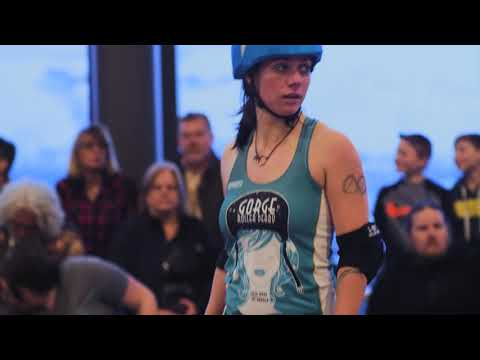 gorge-roller-derby-rides-the-bus-in-the-dalles