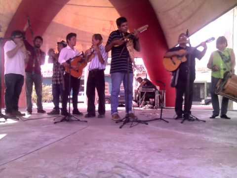 El Cóndor Pasa Tema Del Perú compuesto por Daniel Alomía Robles A Ritmo De Zarzuela Peruana