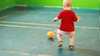 Berniukas ir kamuolys
