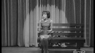 "Carol Burnett sings ""The Trolley Song"""
