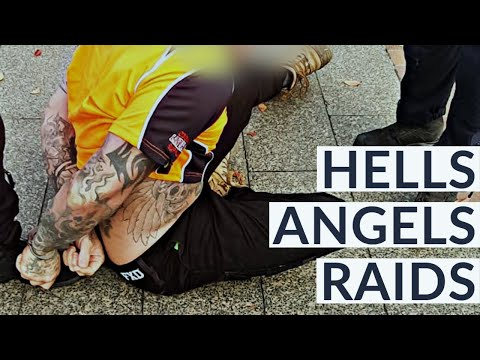 Hells Angels busted in noisy police raids 🏍