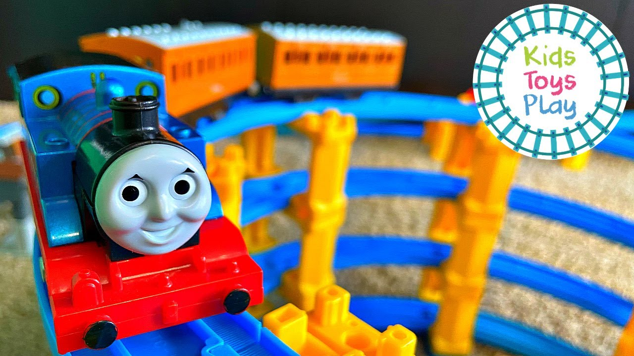 Thomas and Friends TOMY Toy Train Track Build