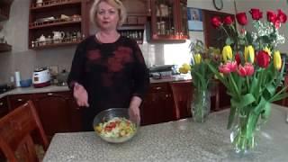 Салат с черешкового сельдерея с овощами .