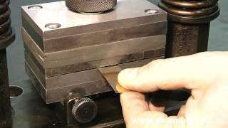 Вырубка ювелирного звена цепи работа полуавтоматического штампа(, 2015-11-29T16:47:21.000Z)