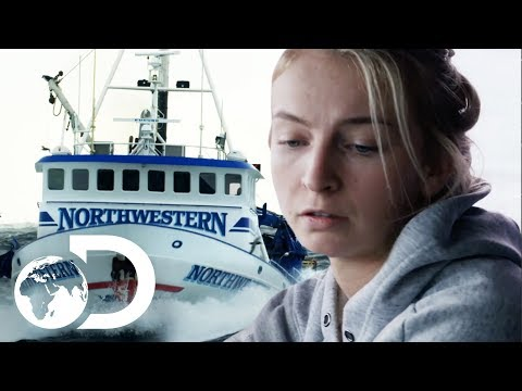 Rookie Captain Takes Massive Risk To Rake In More Crab | NEW Deadliest Catch