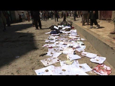 afpes: Casi 60 muertos en atentado del EI en Afganistán