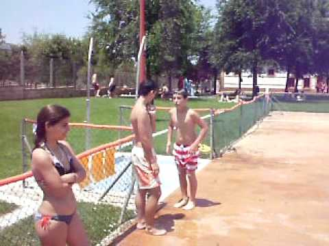 Saltos dehesa boyal youtube for Piscina dehesa boyal