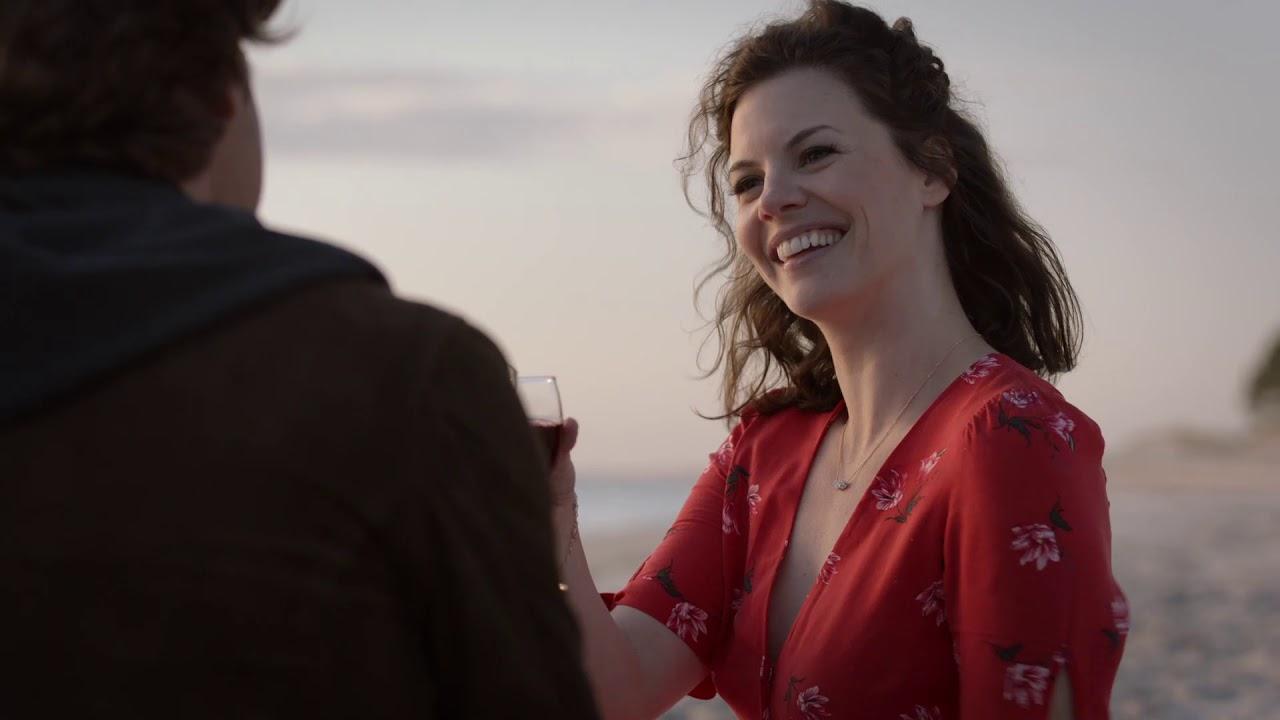Killer Cove (2018) – Review   Netflix Stalker Thriller