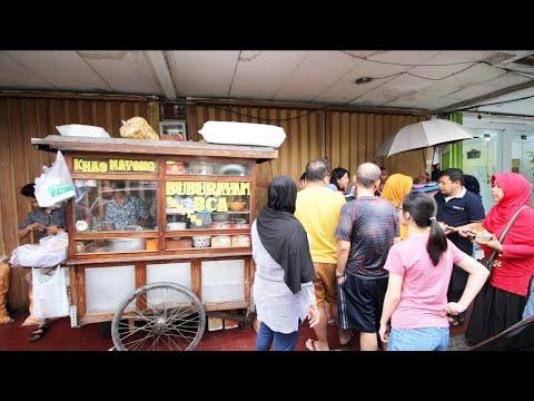 BELUM BUKA SUDAH ANTRI!! GOKIL RAMENYA BUBUR MAYONG BCA KELAPA GADING !! Indonesian Street Food