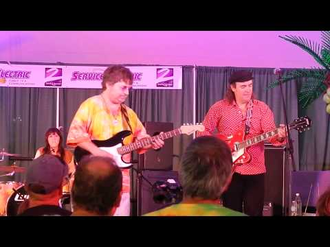 Large Flowerheads (I'm Not Your Steppin' Stone) - August 4, 2013 - Musikfest Bethlehem, PA