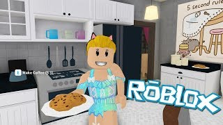 New update! Roblox: Welcome to Bloxburg [BETA] ~Kitchen Reno & New Food!