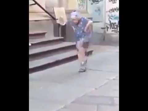 Super Oynayan nene